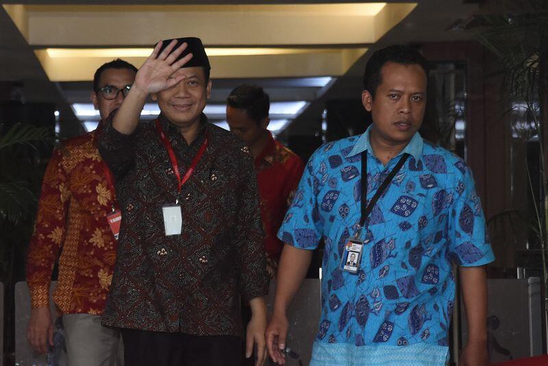[BREAKING] Wakil Ketua DPR Taufik Kurniawan Resmi Ditahan KPK