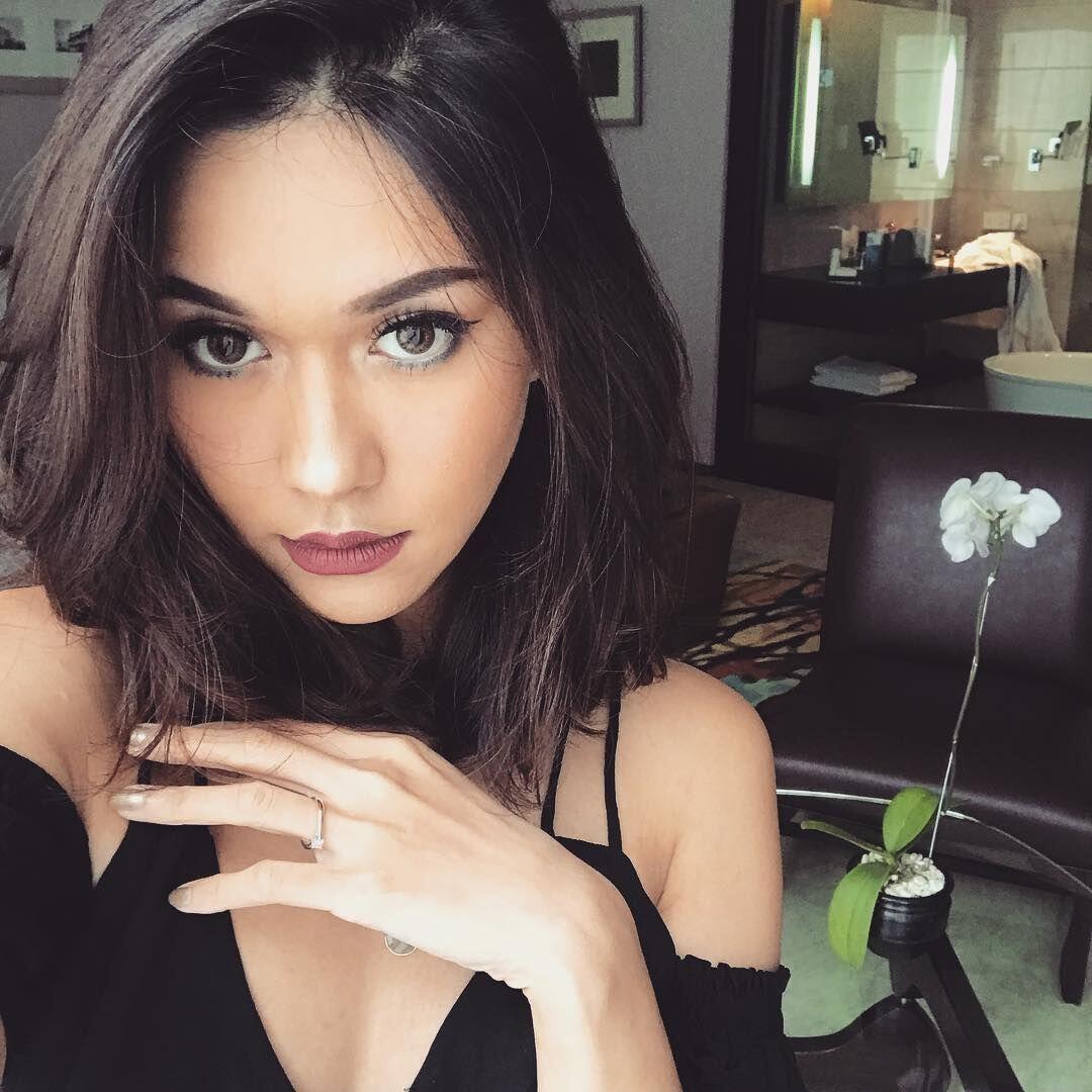 Intip Yuk Inspirasi MakeupBold sampai Natural ala Nana Mirdad, Kece!
