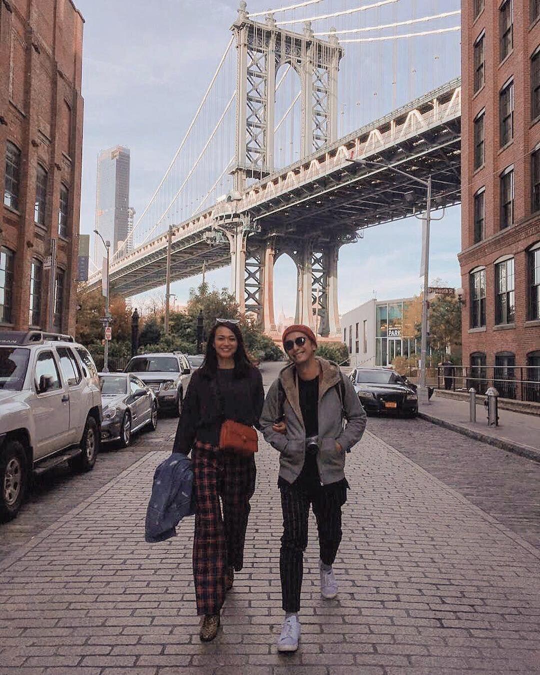 Makin Mesra, Ini 10 Potret Winky Wiryawan dan Istri di New York