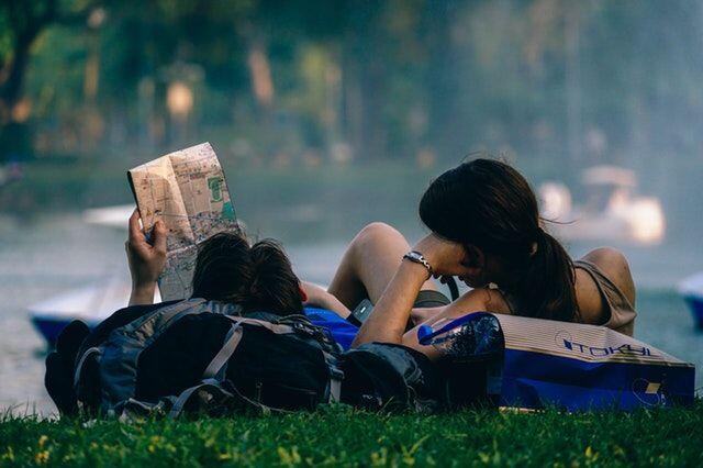 5 Alasan Kamu Sebaiknya Gak Pacaran Sama Sahabat, Dipikir Lagi Deh!