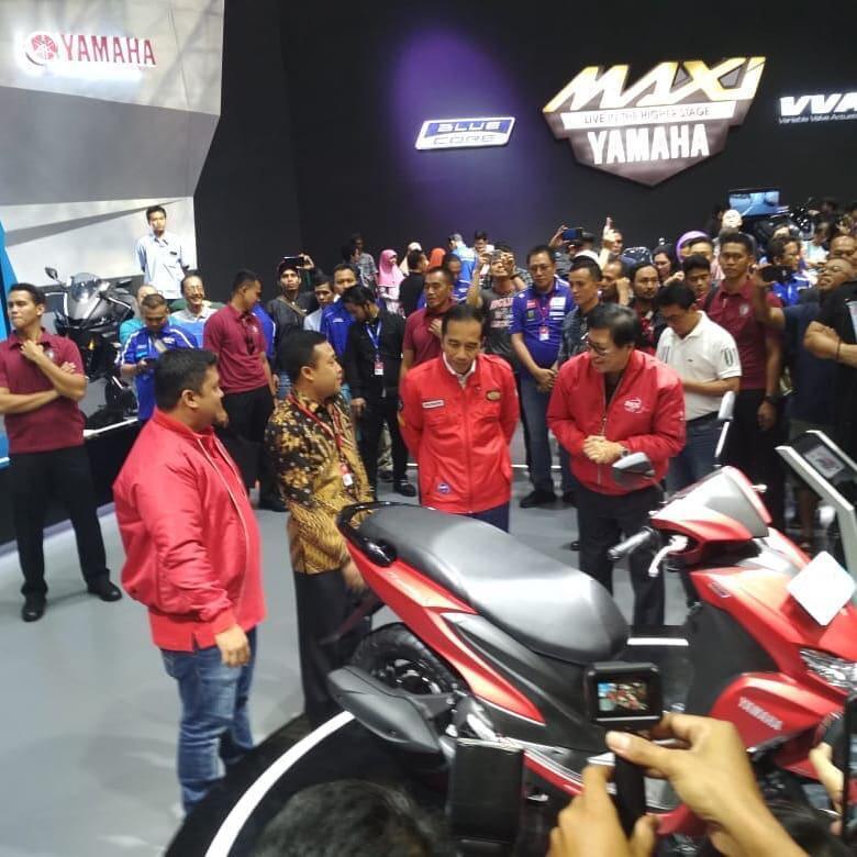 Yamaha Kenalin Skutik Baru ke Jokowi