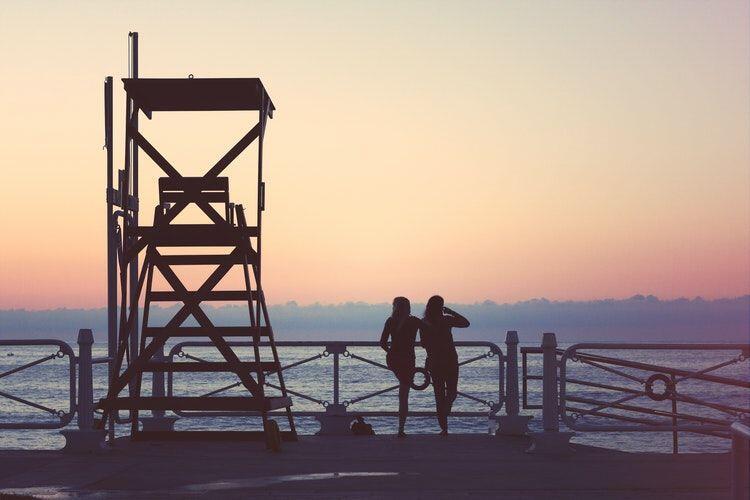 Ramah dan Toleran, 8 Tanda Lain Bukti Kamu Mudah Akrab Sama Orang