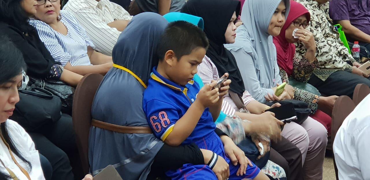 [BREAKING] Isak Tangis di Sela Pertemuan Keluarga Korban Lion Air