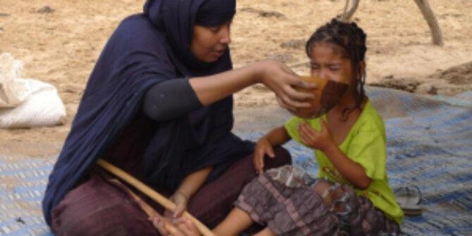 Ngeri! Gadis-Gadis di Desa Ini Dipaksa Gemuk, Begini Carannya!