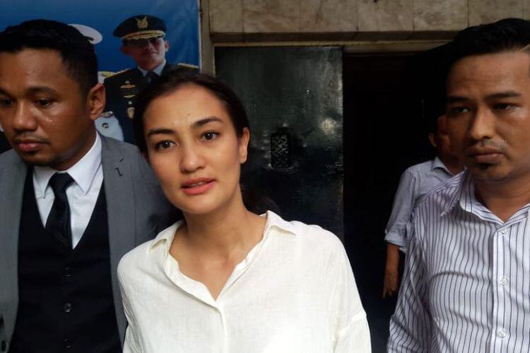 Atiqah Hasiholan Sebut Ratna Sarumpaet Sudah Setahun Berobat ke Psikiater