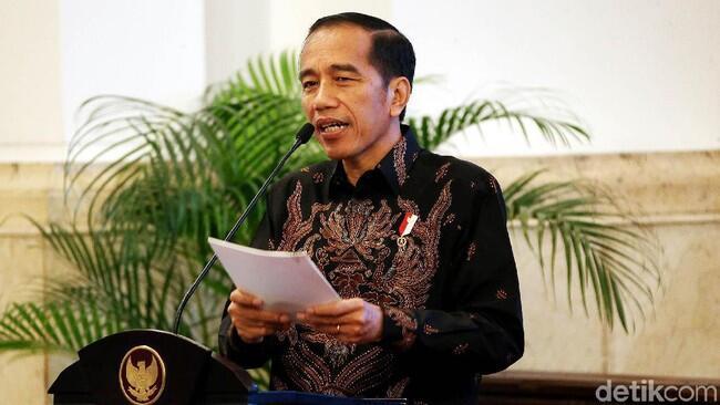 Tepis Isu PKI, Jokowi: Bapak Ibu Saya dari Boyolali
