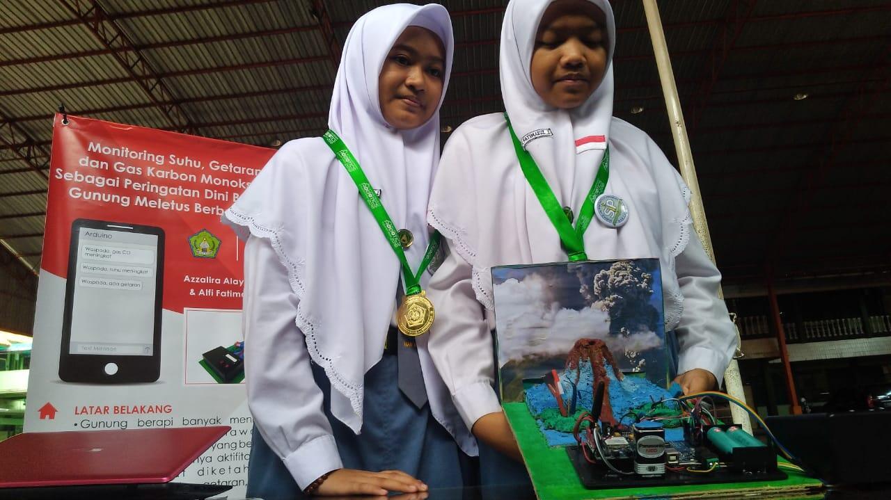 Siswi Madrasah di Kudus Ciptakan Alat Deteksi Bencana