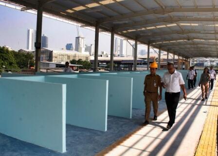 Pembangunan Skybridge Tanah Abang Molor