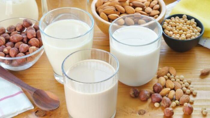 Apa Benar Minum Susu Dapat Membuat Asam Lambung Naik