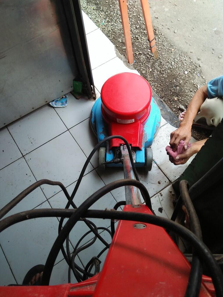 Lepas mesin polisher lantai poles lantai bogor,cisarua