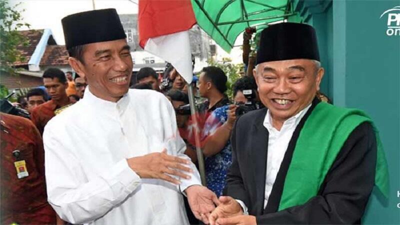 KH Asep: Kalau Minta Pemimpin yang Takut Allah, Pilih Jokowi