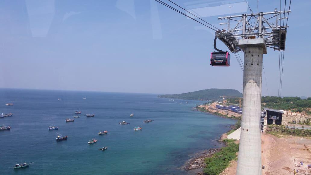 Menikmati Kereta Gantung Terpanjang Dunia di Vietnam