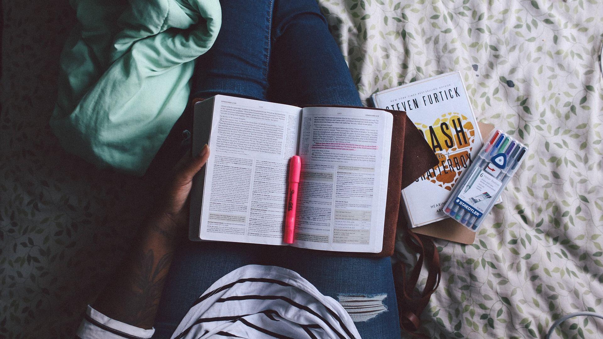 5 Alasan Ini Buktikan Kalau Terlambat Lulus Kuliah Bukan Berarti Bodoh