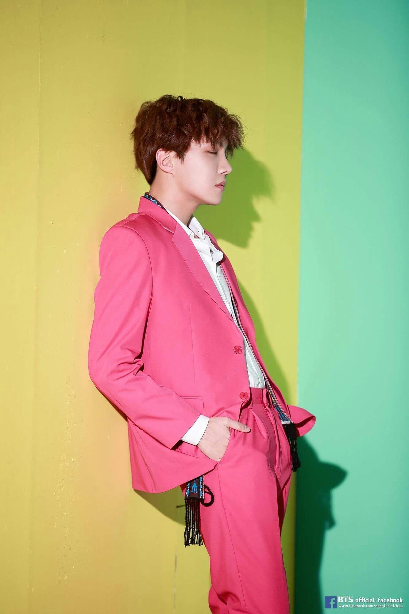 Ini 7 Idol KPop Cowok yang Debut Solo di Tahun 2018