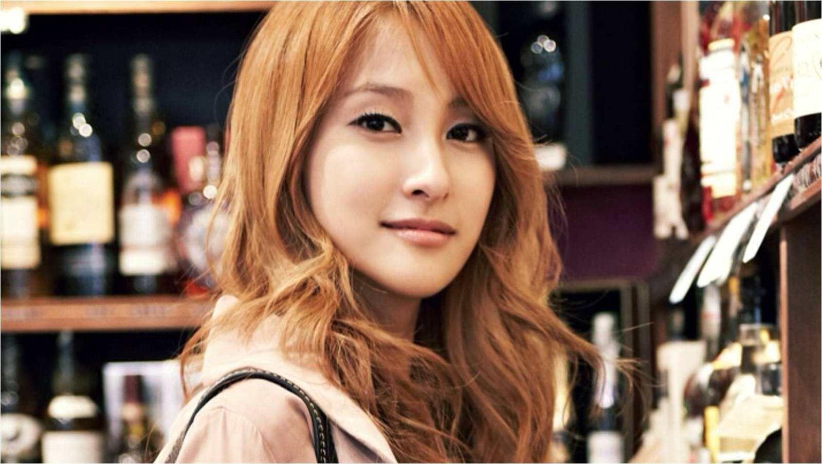 Wah, 5 Idol KPop Asli Korea Ini Sering Dikira Orang Asing Lho!