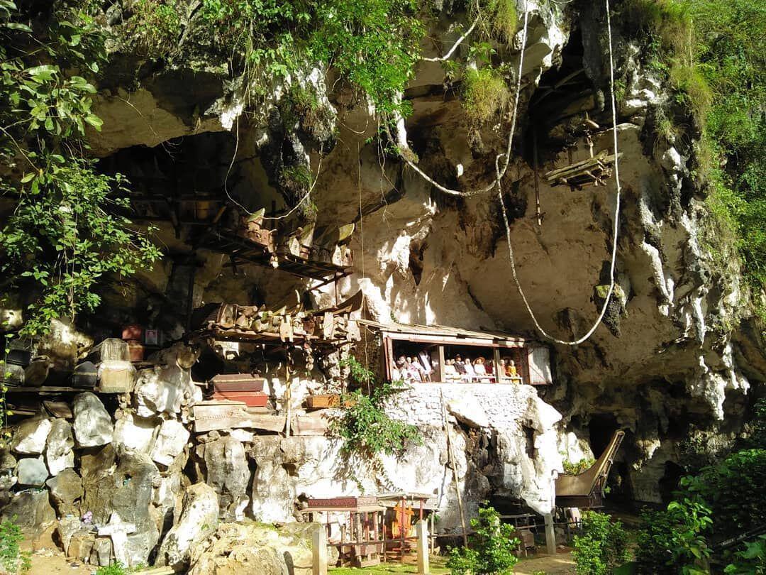 Saking Cantiknya, 8 Pemakaman Ini Malah Dijadikan Tempat Wisata