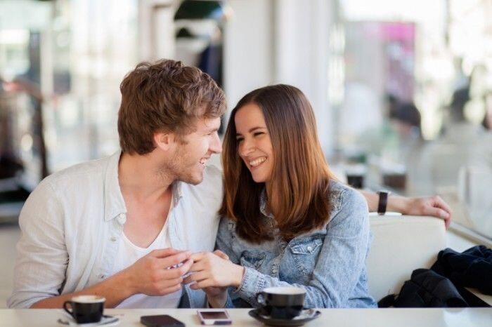 4 Cara Sederhana Menunjukkan Kasih Sayang tanpa Kata-kata Gombal