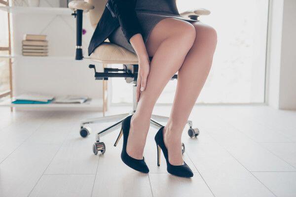 Wanita Asal Amerika Dipecat karena Berpakaian Tomboi