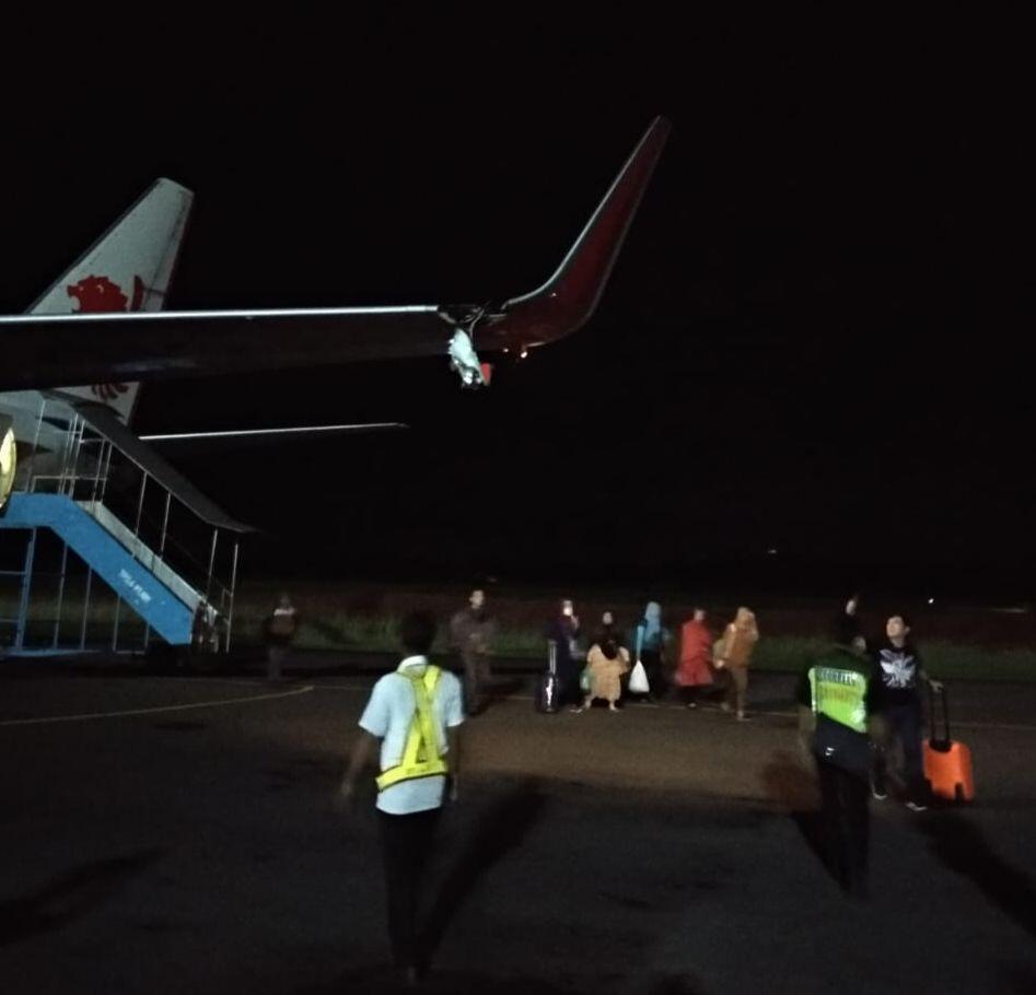 [BREAKING] Lagi, Pesawat Lion Air di Bengkulu Tabrak Tiang Listrik