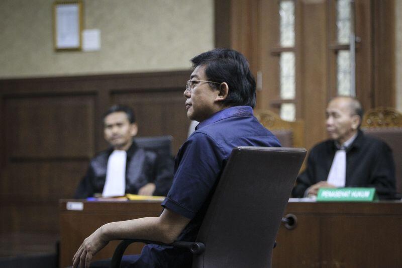 KPK: Bantu Eddy Kabur, Advokat Lucas Suap Petugas Bandara Soetta