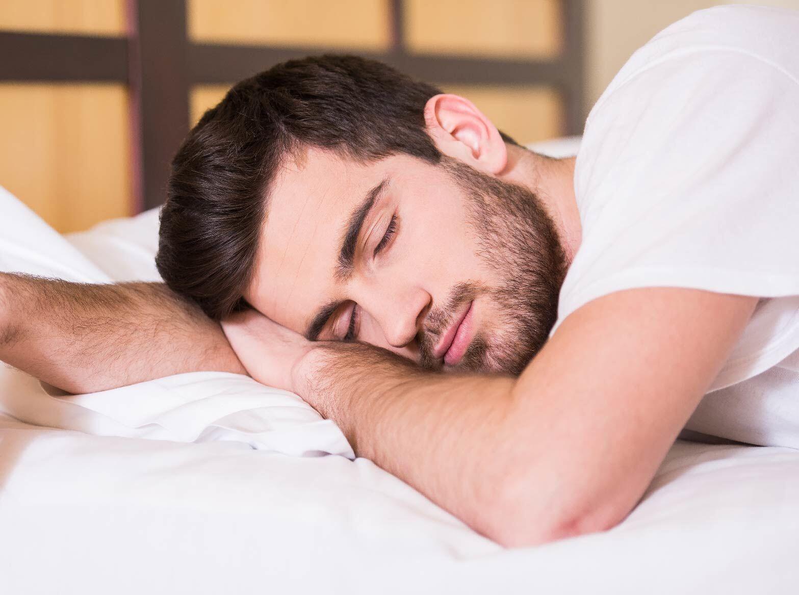 Jangan Tidur Tengkurap, Berikut Bahaya Kesehatan yang Akan Mengintaimu