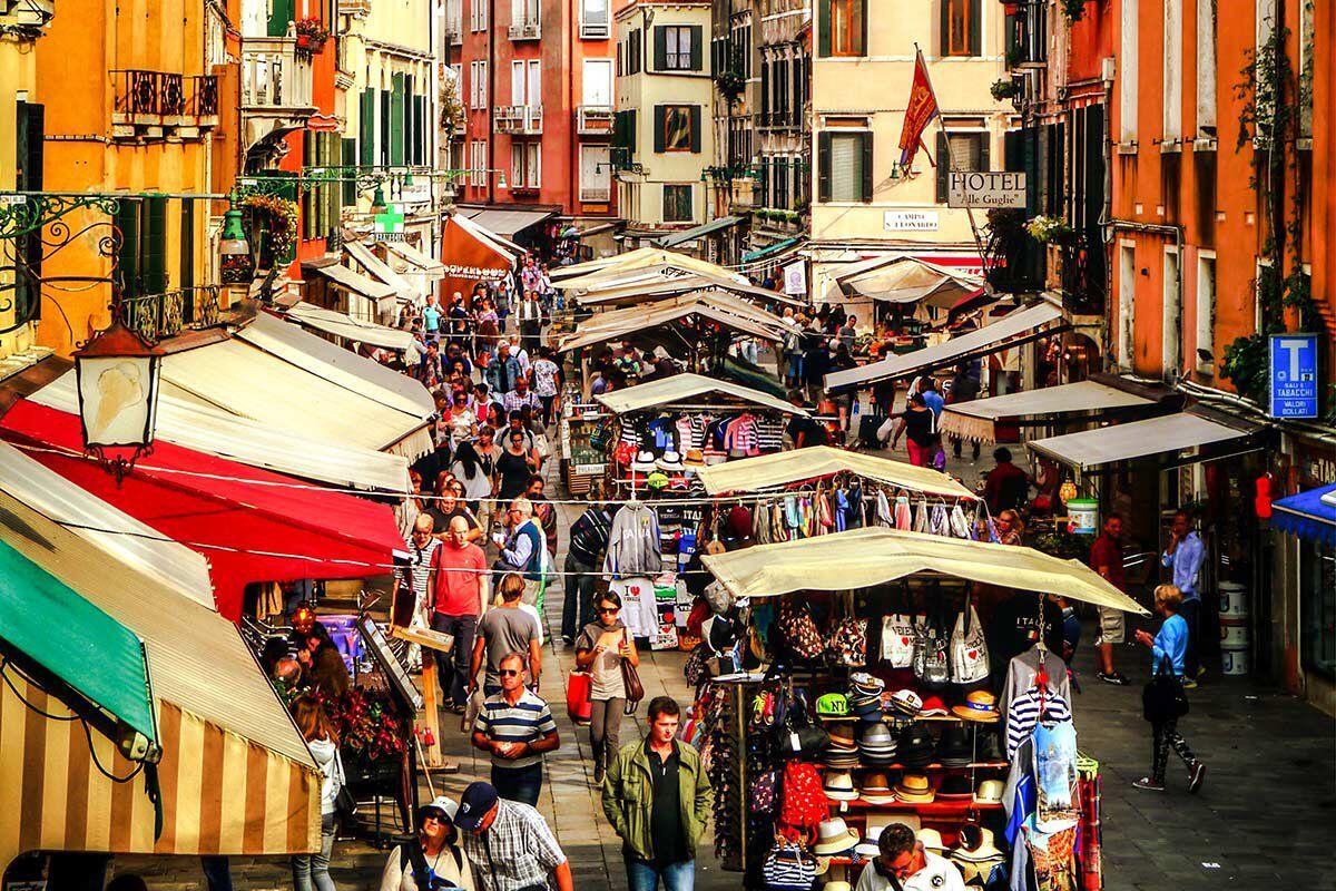 Denda Tak Seromantis Kotanya, Jangan Lakukan 8 Hal Ini Di Venesia