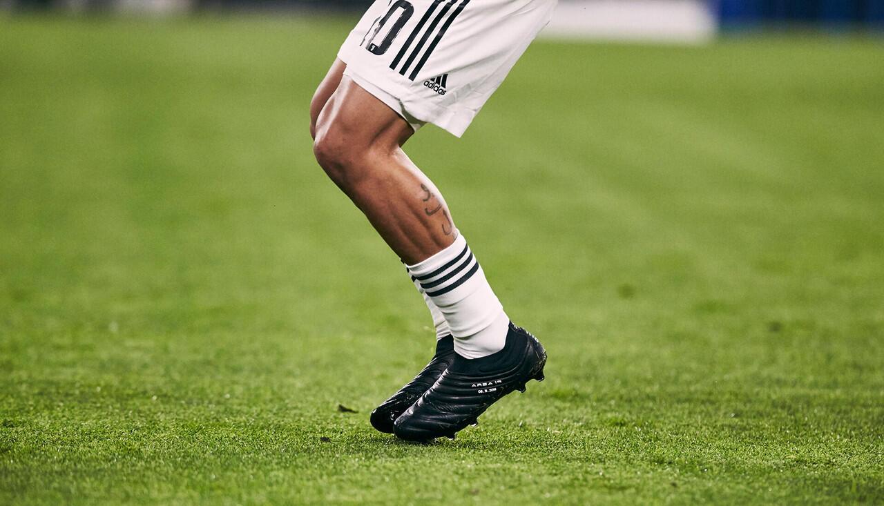 Foto-foto Dybala Pake Adidas Copa 19+ Black-Out