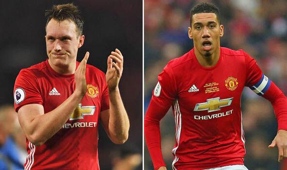 Bek-Bek yang Bisa Diburu Manchester United di Bulan Januari