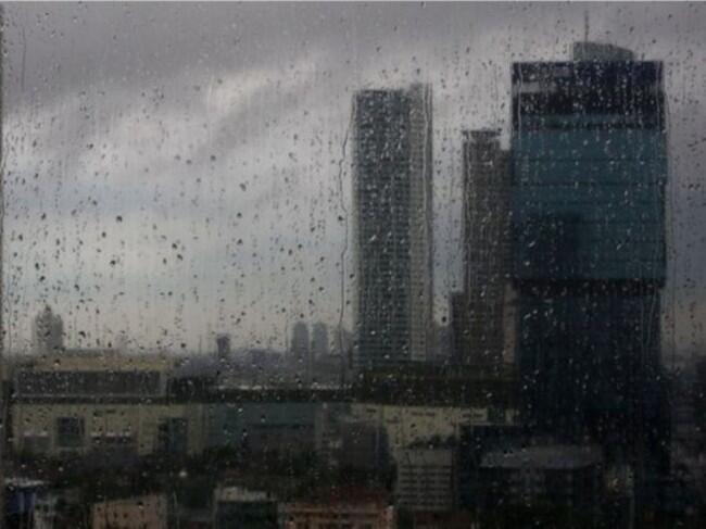 Waspada Hujan Disertai Petir dan Awan Kencang