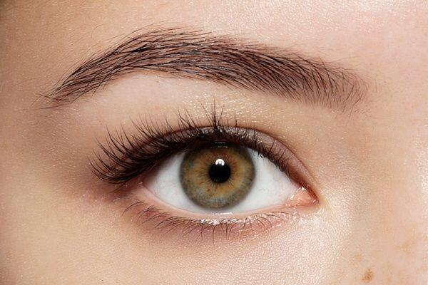 Girls, Ini Lho 5 Fungsi Lain dari Eyeshadow yang Harus Kamu Coba