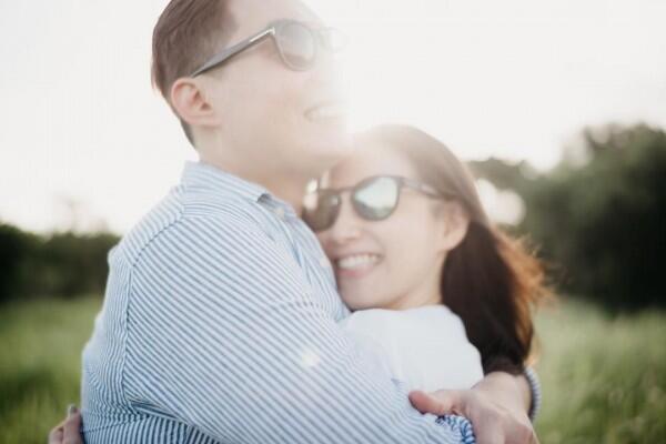 Jelang Pernikahan, Ini 10 Potret Romanstisnya Edric Tjandra & Kekasih