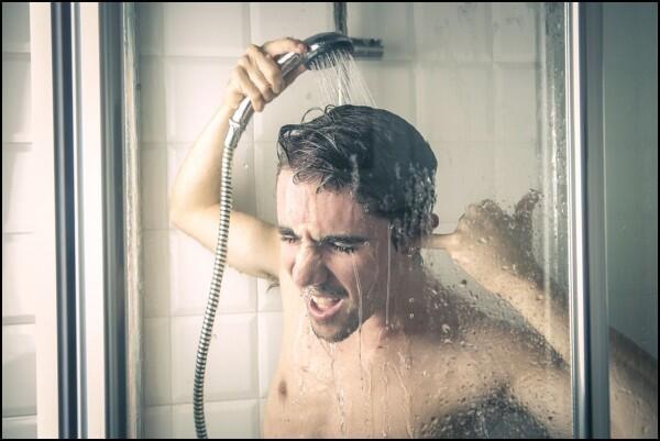 Deodoran Gak Mempan? Ini 9 Cara Paling Ampuh Cegah Ketiak Basah
