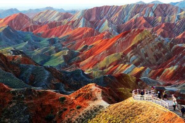 Bukan Surga, Inilah 11 Tempat di Dunia Nyata yang Mirip dengan Lukisan
