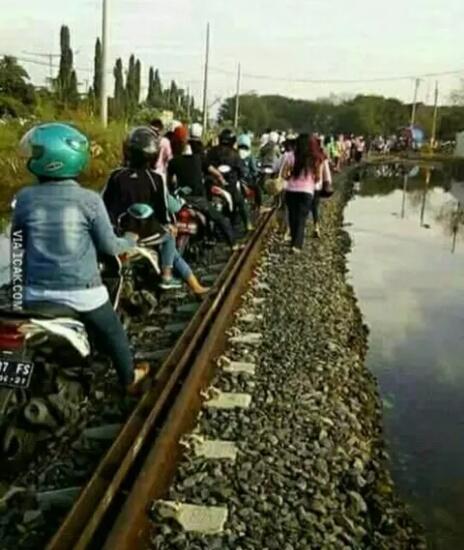 Kerennya Orang Indonesia !! Lo Bangga Ga Jadi WNI ?