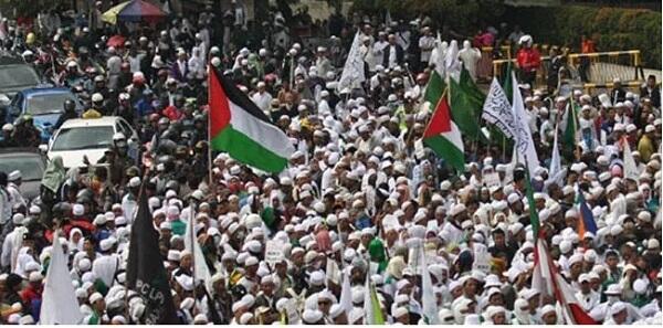 Wiranto Sebut Pemerintah Tak Berwenang Atur Bendera Tauhid