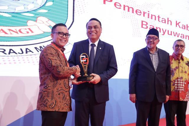PANRB Serahkan Penghargaan Top 10 Pengelolaan Pengaduan Pelayanan Publik 2018