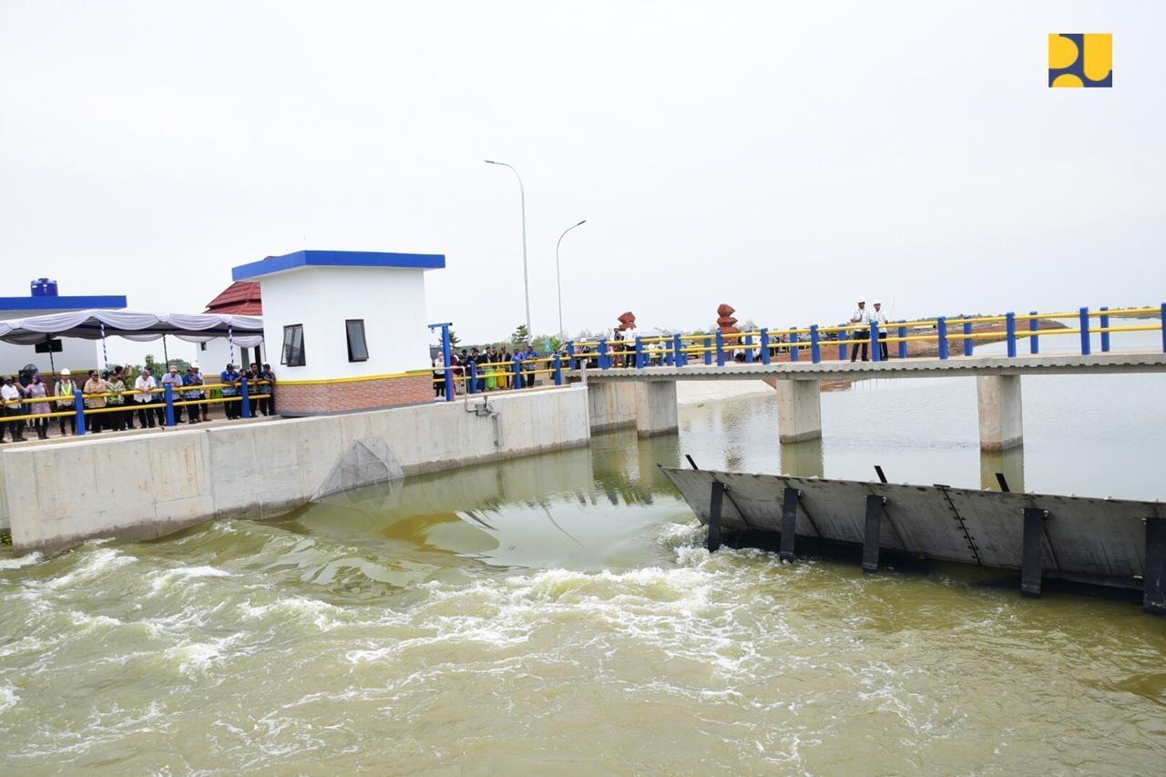 PUPR Bangun Bendung Karet Multifungsi di Pantai Utara Indramayu