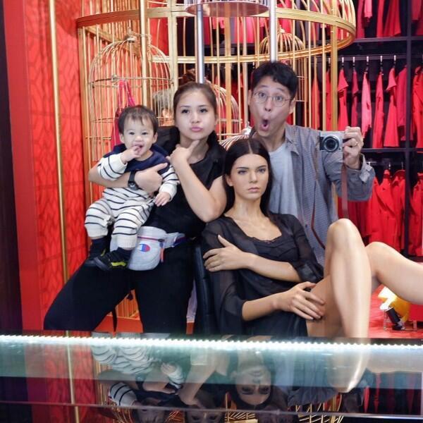 Hamil Anak Kedua, 10 Potret Romantis Putri Titian dan Junior Liem