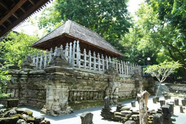 Mau Berwisata Religi? 5 Tempat Ini Tersebar di Wilayah Jawa Timur Lho