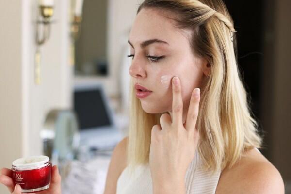 Sudah Tahu Manfaat Krim Malam untuk Wajah Cantikmu?