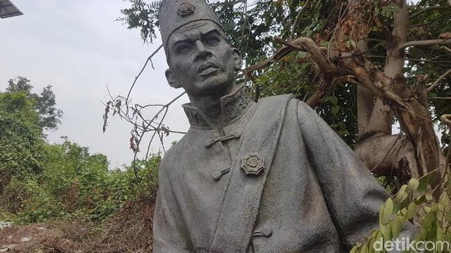 Patung Pahlawan Sultan Ageng Dibongkar dan Dibuang karena Syirik?