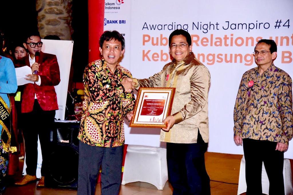 Ketua DPR RI Bambang Soesatyo Mendapat Penghargaan Best Communicators 2018