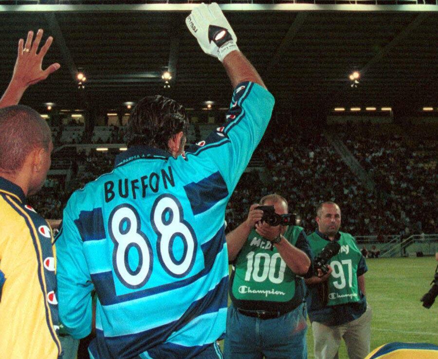 Nomor Punggung Edisi 'Maksa Banget' di Serie A
