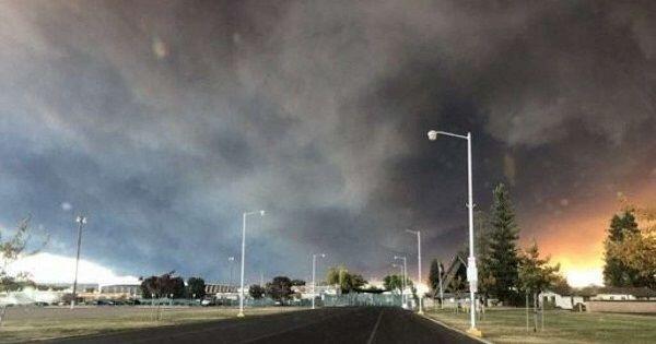 Kebakaran Hutan di California Hanguskan Rumah Kim Kardashian West