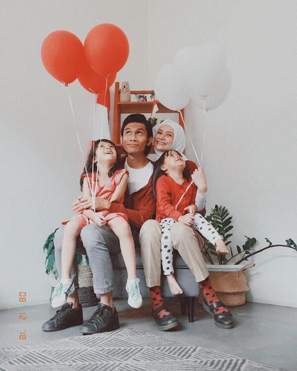 Lama Tak Terlihat, Ini 10 Kebahagiaan Tria The Changcuters & Keluarga