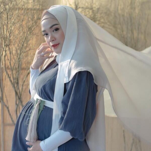 9 Pemotretan Kehamilan Natasha Rizky & Sheza Idris, Bak Artis Korea