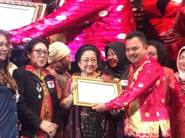 Megawati Ternyata Pernah Jadi Pembawa Baki Bendera Pusaka