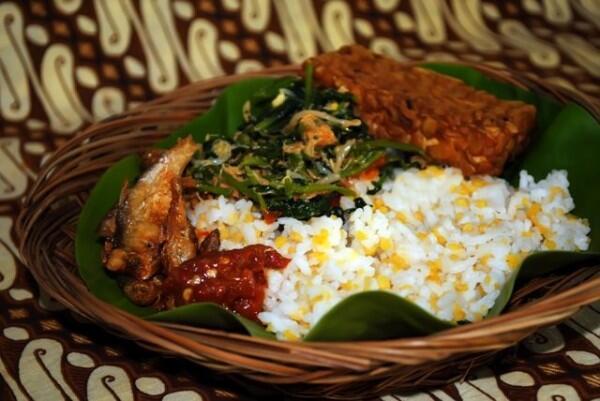 9 Makanan Sederhana Ini Jadi Bekal Pahlawan Indonesia Saat Perang Lho
