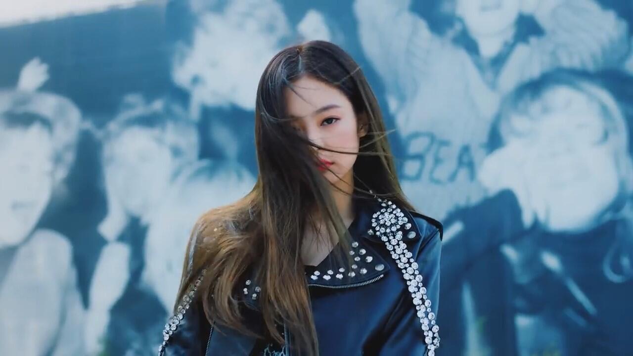 10++ Momen Dede Gemes Jennie 'BLACKPINK' di MV 'SOLO'