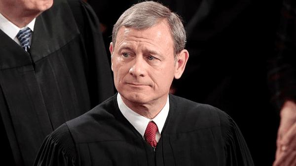 "Tuding Sebagai ""Hakim Obama"", Ketua Mahkamah Agung AS Tegur Trump"